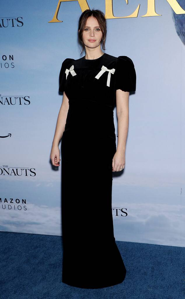 Felicity Jones, Fashion Police Widget