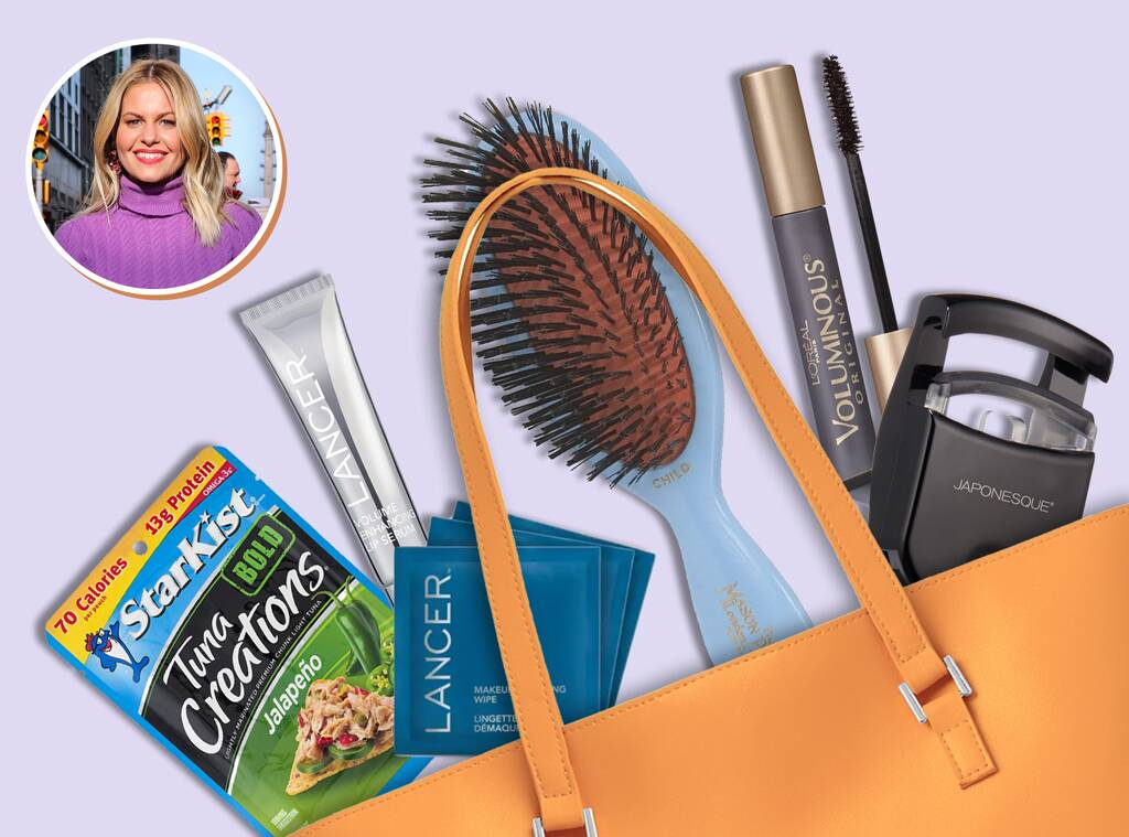 E-Comm: Candace Cameron Bure, What's In Her Bag?